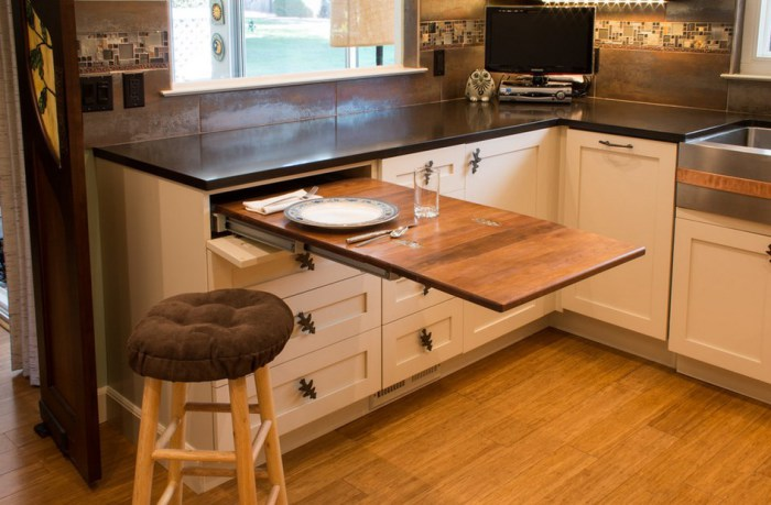 Small-Kitchens-101.jpg